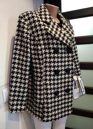Шикарное стильное брэндовое пальто короткое в клетку