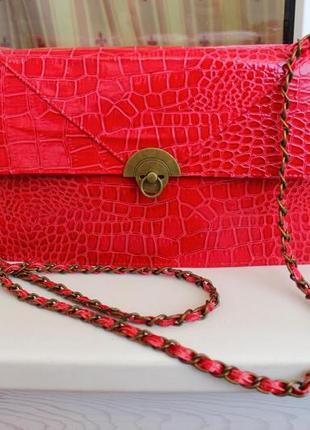 Лаковая шикарная сумочка