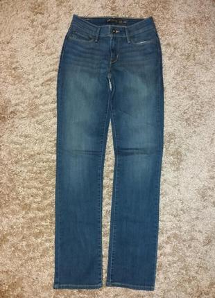 Levis джинси жіночі.