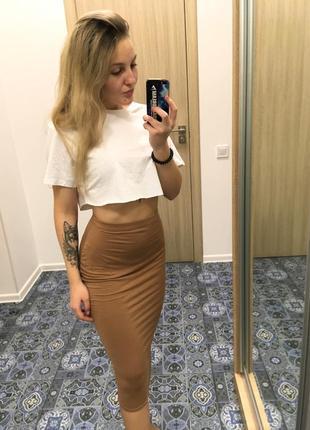 Завышенная юбка миди обтягивающая
