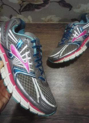 Кроссовки brooks 14. беговые кроссовки brooks. спортивные кроссовки. для бега