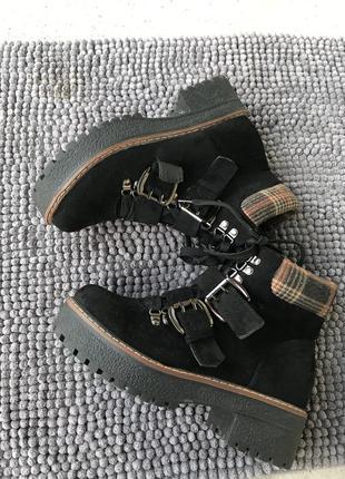 Ботинки ботильйони чоботи, по 37-37,5