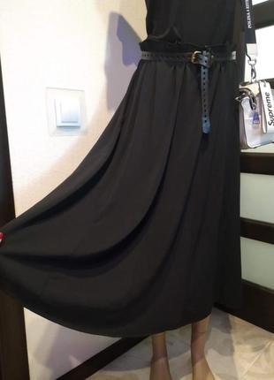 Отличная базовая черная юбка трапеция трикотажная