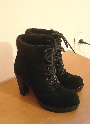 Женские демисезонные замшевые полусапожки ботинки фирмы minelli