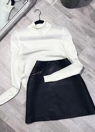 Актуальная трендовая чёрная юбка под кожу от primark