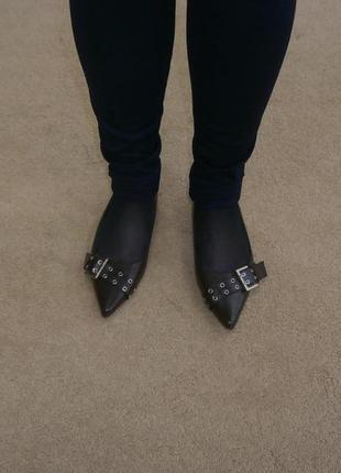 Шок цена/  новые туфли  на низком ходу 100 грн