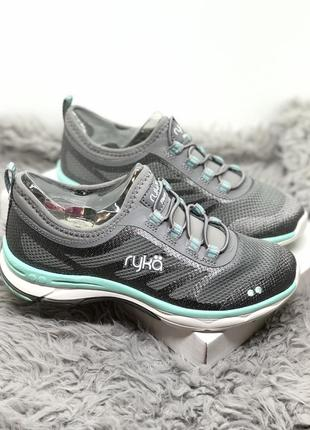 Серые кроссовки с мятной окантовкой спортивные
