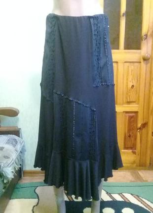 Асиметричная черная юбка