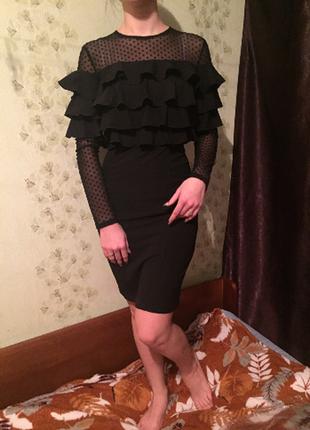Эффектное черное платье 40-42