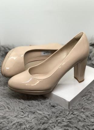 Бежевые лодочки, туфли на каблуке бренд
