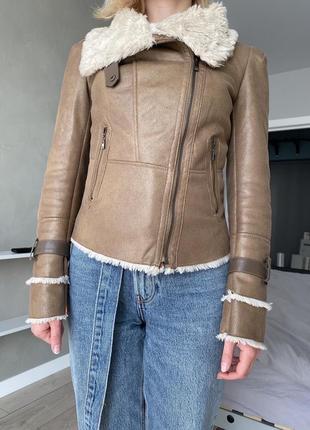 Курточка на искусственном меху colins, размер s.