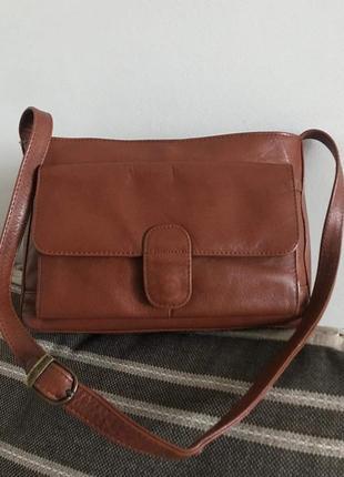 Удобная кожаная сумка