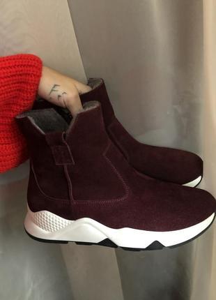 Шикарные новые бордовые ботинки натур замша, внутри шерсть
