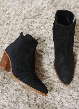 Легкі черевички peggi від minelli нат.замш р.39.