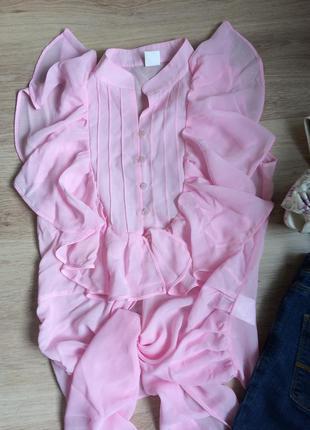 Легкая блузка нежно-розового цвета