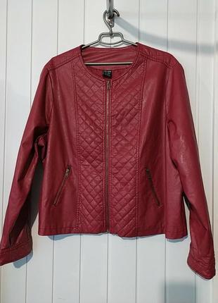 Актуальная женская кожанная куртка пиджак  большого размера cellbes швеция