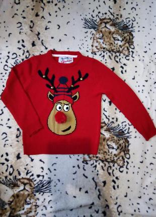 Новогодний свитер с оленем с бубенчиками
