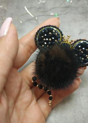 Брошь из бисера мышка
