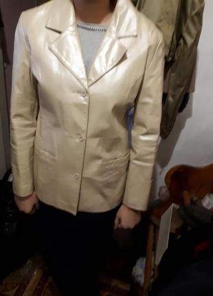 Пиджак кожаный vera pelle