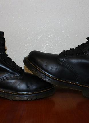 Женские ботинки dr. martens serena fur lined 8 eye boot black