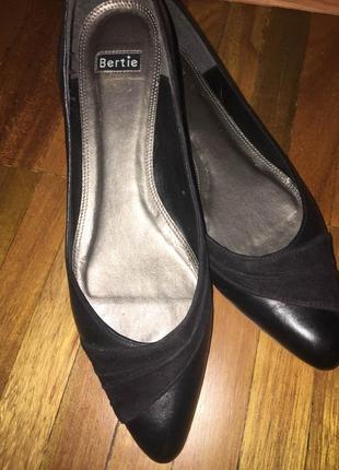 Классические туфли, балетки лодочки натуральная кожа bertie 39 размер