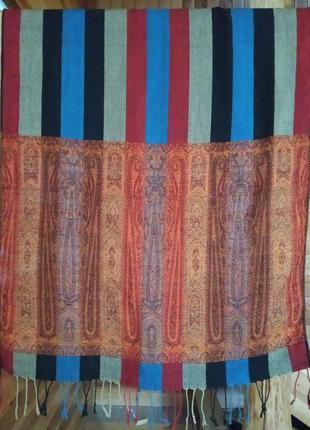 Красивый шарф шаль палантин .