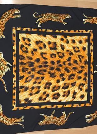 Платок с гепардами