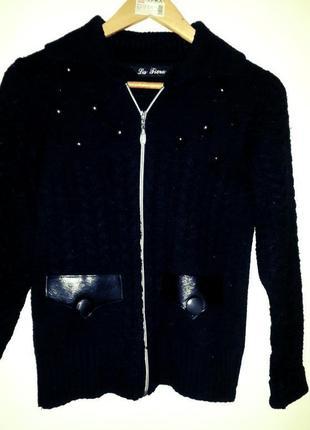 Зимняя шерстяная кофта с карманами