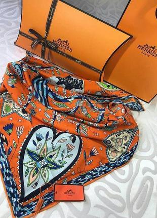 Очаровательный шелковый платок с ручной обработкой края