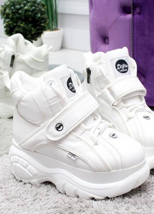 Ботинки кроссовки женские зимние на высокой подошве платформе