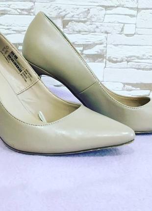 Туфли бежевые, классика, стильные
