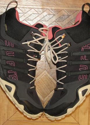 Зимние ботинки кроссовки adidas terrex swift gore-tex(оригинал)р.37.5
