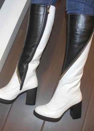 Кожаные женские зимние черно-белые сапоги на каблуке натуральная кожа