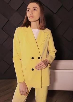 Жіночий костюм (2)
