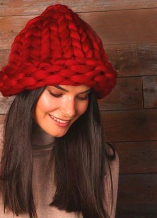 Шапка объёмная шапочка из шерсти красная винная крупной вязки новая