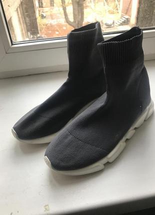 Кроссовки как носки! новые!