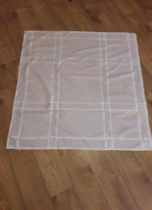 Скатерть из фактурной ткани