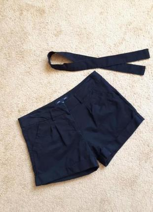 Стильные женские шорты черного цвета