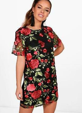 Красивейшее платье с вышивкой на сетке