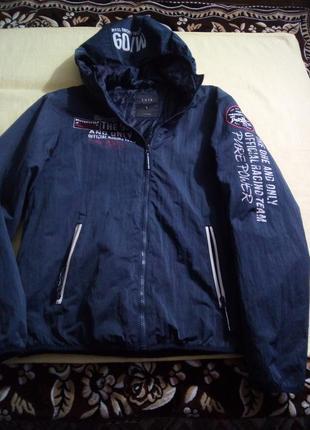 Офигенная куртка на синтепоне l-р
