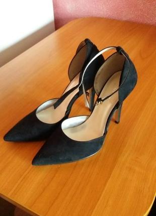 Новые туфли босоножки