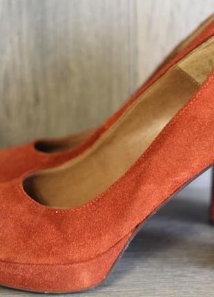 Шикарные туфли из натуральной замши tamaris 38 разм