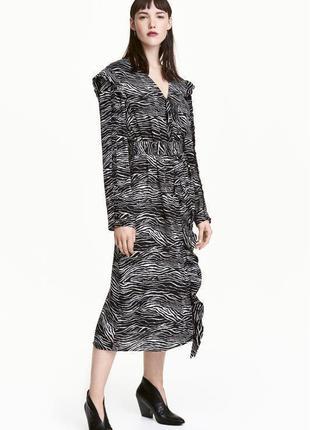 Платье нарядное плаття миди рубашечного типа с рюшами на поясе зебра новое h&m