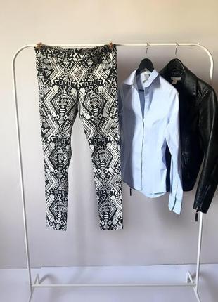 Стильные брюки в орнамент узкие штаны узкачи h&m
