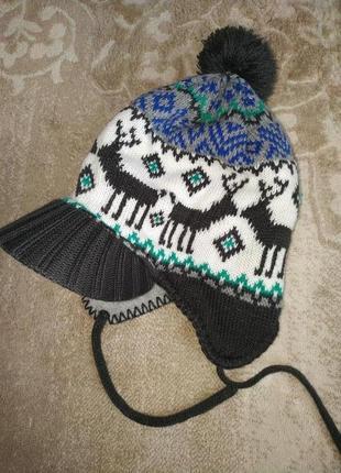 Hema демисезонная шапка на флисе с козырьком