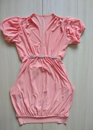 Нежное платье с декором на поясе