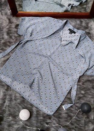 Блуза с завязками в принт котики atmosphere