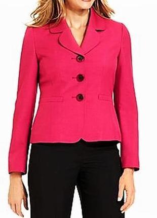 Пиджак на 3 пуговицы сочного  цвета на 48-50 размер