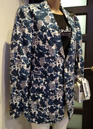 Стильный мягусенький брэндовый пиджак-жакет