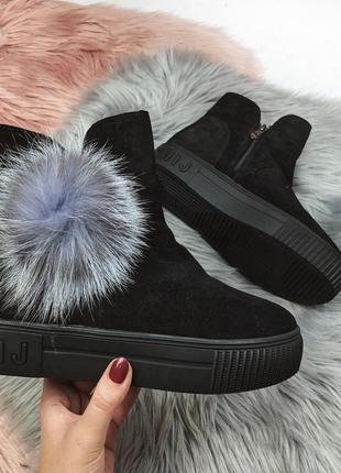 Новые шикарные женские замшевые зимние черные ботинки